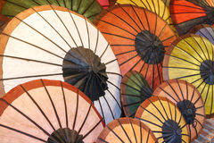 Όμορφη ριγωτή ομπρέλα Στοκ εικόνες με δικαίωμα ελεύθερης χρήσης