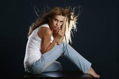 όμορφη σεξουαλική γυναί&kap Στοκ φωτογραφία με δικαίωμα ελεύθερης χρήσης