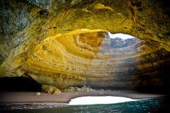 Όμορφη σπηλιά στο Αλγκάρβε, Πορτογαλία Στοκ εικόνα με δικαίωμα ελεύθερης χρήσης