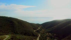 Όμορφη στατική άποψη των λόφων και του ωκεανού Malibu από το copter απόθεμα βίντεο
