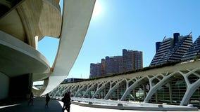 Όμορφη σύγχρονη αρχιτεκτονική του κτηρίου στη σύνθετη πόλη των τεχνών και των επιστημών στη Βαλένθια, Ισπανία απόθεμα βίντεο