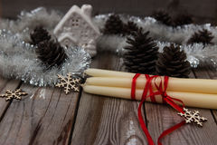 Όμορφη σύνθεση Χριστουγέννων στο ξύλινο υπόβαθρο Στοκ εικόνα με δικαίωμα ελεύθερης χρήσης