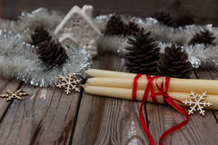 Όμορφη σύνθεση Χριστουγέννων στο ξύλινο υπόβαθρο Στοκ Εικόνα
