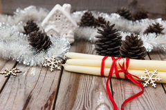Όμορφη σύνθεση Χριστουγέννων στο ξύλινο υπόβαθρο στοκ φωτογραφία με δικαίωμα ελεύθερης χρήσης