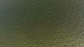 Όμορφη σύσταση επιφάνειας κυμάτων νερού φύσης υποβάθρου θάλασσας απόθεμα βίντεο