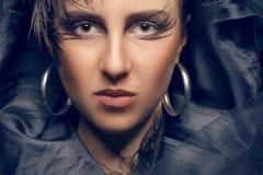 Όμορφη τονισμένη γυναίκα εικόνα στο γοτθικό ύφος Στοκ εικόνα με δικαίωμα ελεύθερης χρήσης