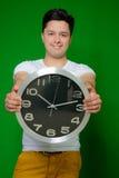 Όμορφη τοποθέτηση ατόμων με το ρολόι Στοκ Εικόνα