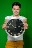 Όμορφη τοποθέτηση ατόμων με το ρολόι Στοκ φωτογραφίες με δικαίωμα ελεύθερης χρήσης