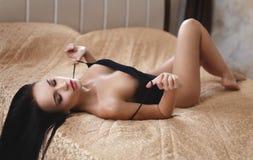 Όμορφη τοποθέτηση κοριτσιών nude Στοκ εικόνα με δικαίωμα ελεύθερης χρήσης