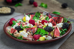 Όμορφη υγιής σαλάτα στοκ εικόνες με δικαίωμα ελεύθερης χρήσης