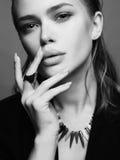όμορφη υγρή γυναίκα τριχώμα& Στοκ Εικόνες