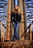 όμορφη υπαίθρια γυναίκα Στοκ εικόνα με δικαίωμα ελεύθερης χρήσης