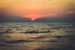 Όμορφη φυσική ανατολή πέρα από τη θάλασσα Στοκ φωτογραφία με δικαίωμα ελεύθερης χρήσης