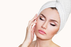 Όμορφη φυσική γυναίκα κοριτσιών μετά από τις καλλυντικές διαδικασίες cosmetology Στοκ Φωτογραφία