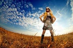 όμορφη φυσική γυναίκα πορ&ta Στοκ φωτογραφία με δικαίωμα ελεύθερης χρήσης