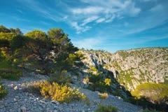 Όμορφη φύση Calanques στην κυανή ακτή της Γαλλίας υψηλός Στοκ εικόνα με δικαίωμα ελεύθερης χρήσης