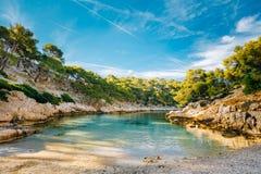 Όμορφη φύση Calanques στην κυανή ακτή της Γαλλίας Coas Στοκ φωτογραφία με δικαίωμα ελεύθερης χρήσης