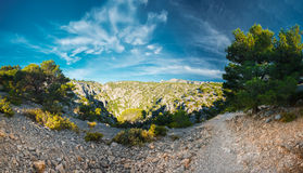 Όμορφη φύση Calanques στην κυανή ακτή της Γαλλίας Pano Στοκ Φωτογραφία