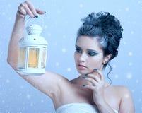 όμορφη χειμερινή γυναίκα ύφ& Στοκ Εικόνες