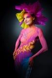 όμορφη χρωματισμένη γυναίκ&alp Στοκ Φωτογραφίες
