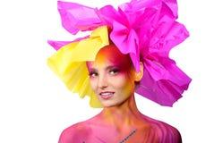 όμορφη χρωματισμένη γυναίκ&alp Στοκ φωτογραφία με δικαίωμα ελεύθερης χρήσης