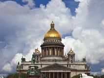 όμορφη όψη του Isaac Άγιος καθεδρικών ναών Στοκ εικόνες με δικαίωμα ελεύθερης χρήσης