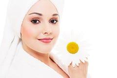 όμορφη camomile γυναίκα Στοκ Φωτογραφίες
