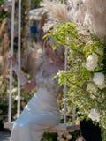 Όμορφη floral διακόσμηση με τη νύφη στοκ φωτογραφίες με δικαίωμα ελεύθερης χρήσης
