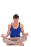 όμορφη meditating θέση ατόμων λωτού Στοκ Εικόνα