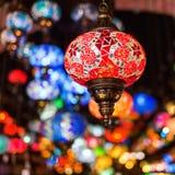 Όμορφοι αραβικοί λαμπτήρες σε έναν bazaar Στοκ εικόνες με δικαίωμα ελεύθερης χρήσης