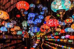 Όμορφοι αραβικοί λαμπτήρες σε έναν bazaar Στοκ Εικόνες