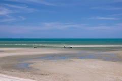 Όμορφοι θάλασσα και ουρανός στο AO Prachuab Prachuap Khiri Khan Ταϊλάνδη Στοκ Εικόνα