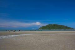 Όμορφοι θάλασσα και ουρανός στο AO Prachuab Prachuap Khiri Khan Ταϊλάνδη Στοκ Φωτογραφίες