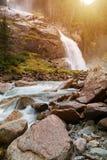 Όμορφοι καταρράκτης Krimml και ρεύμα βουνών στο έθνος Tauern Στοκ Εικόνες