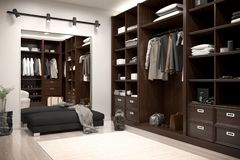 Όμορφοι ξύλινοι οριζόντιοι ντουλάπα και περίπατος στο ντουλάπι στοκ εικόνες