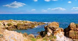 Όμορφοι φυσικοί βράχοι στο νησί της Κρήτης Στοκ εικόνα με δικαίωμα ελεύθερης χρήσης