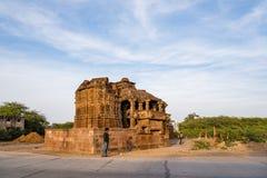 Όμορφοι χαρασμένοι αρχαίοι ναοί Jain που κατασκευάζονται στη 6η ΑΓΓΕΛΙΑ αιώνα σε Osian, Ινδία Στοκ φωτογραφίες με δικαίωμα ελεύθερης χρήσης