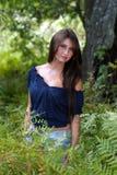 όμορφος έφηβος brunette 6 υπαίθρι&a Στοκ Εικόνα