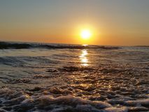 Όμορφος αέρας κυμάτων θάλασσας ηλιοβασιλέματος Στοκ Εικόνες