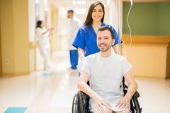 Όμορφος ασθενής σε μια αναπηρική καρέκλα Στοκ Εικόνες