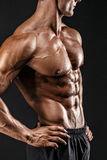 Όμορφος γυμνός αρσενικός κορμός, έξι πακέτο Στοκ φωτογραφία με δικαίωμα ελεύθερης χρήσης