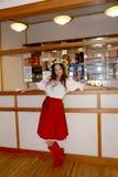 Όμορφος εμψυχωτής ηθοποιών κοριτσιών στο εθνικό ουκρανικό κοστούμι Στοκ Εικόνες