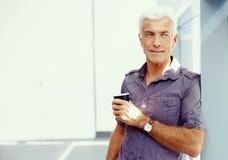 Όμορφος επιχειρηματίας στην αρχή Στοκ εικόνα με δικαίωμα ελεύθερης χρήσης