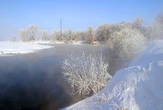 όμορφος καιρός ποταμών πρωινού πετάγματος ομιχλώδης Στοκ Φωτογραφίες