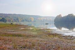 όμορφος καιρός ποταμών πρωινού πετάγματος ομιχλώδης Στοκ Φωτογραφία