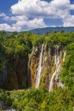 Όμορφος καταρράκτης στο εθνικό πάρκο λιμνών Plitvice Κροατία στοκ φωτογραφία