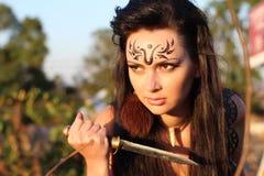 Όμορφος κορίτσι-πολεμιστής - Αμαζόνιος στοκ εικόνες