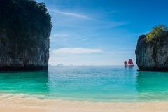 όμορφος κόλπος του νησιού της Hong στην Ταϊλάνδη σε μια teristic θέση, α στοκ εικόνα