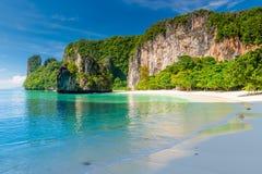 Όμορφος κόλπος του νησιού της Hong στο τοπίο της Ταϊλάνδης στο s στοκ εικόνες