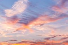 Όμορφος μαλακός ουρανός ανατολής με το υπόβαθρο σύννεφων στοκ εικόνες με δικαίωμα ελεύθερης χρήσης